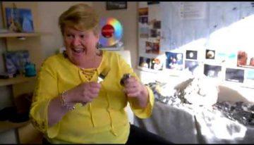 Melinda Leslie Explains Spoon Bending
